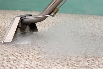 The Difference Between Carpet Steam Cleaning & Dry Cleaning